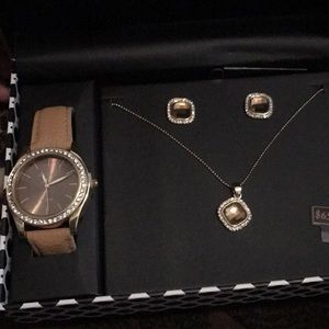 Accessories - Watch set! ( watch, earring and necklace)